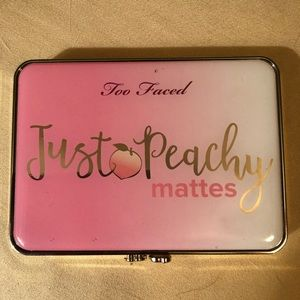 """Too faced """"just peachy"""" Matte😉"""